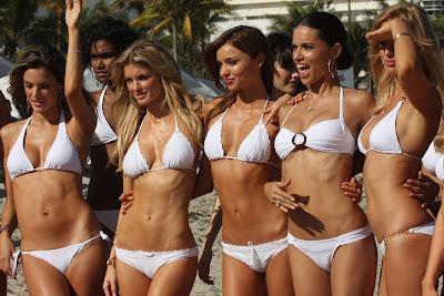 Sexy Bikini Beach Party