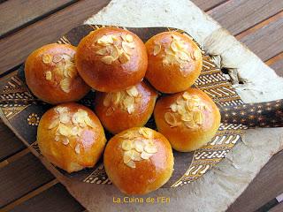 Brioixos farcits de mascarpone i melmelada d'albercocs