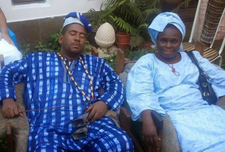 Eu com a Nigeriana, Ayodele Mercy Olufunke