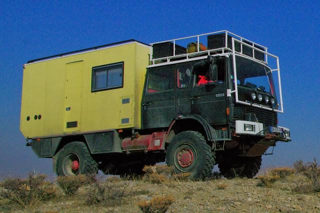 la petite famille en voyage notre gros camion. Black Bedroom Furniture Sets. Home Design Ideas
