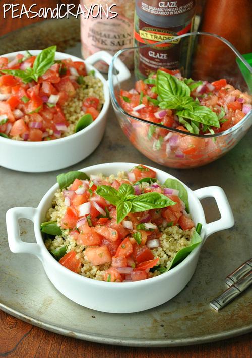 Bruschetta Quinoa - all the flavor of fresh bruschetta in a healthy gluten-free salad! This is SO GOOD!