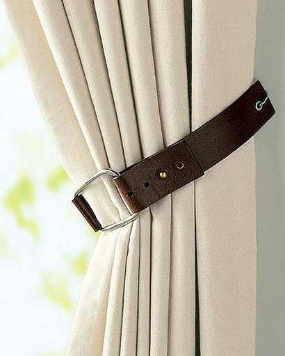 Creative Curtain Tie Backs Ideas : Recycling Old Cups for Curtain Holders