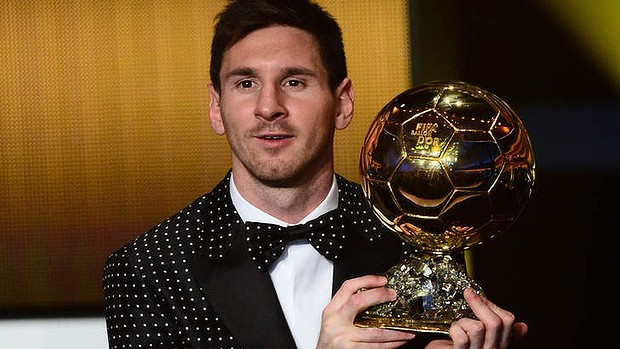Messi wins FIFA player of the year for a fourth time in a row