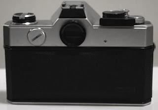 Fujica ST801 embos tampak belakang