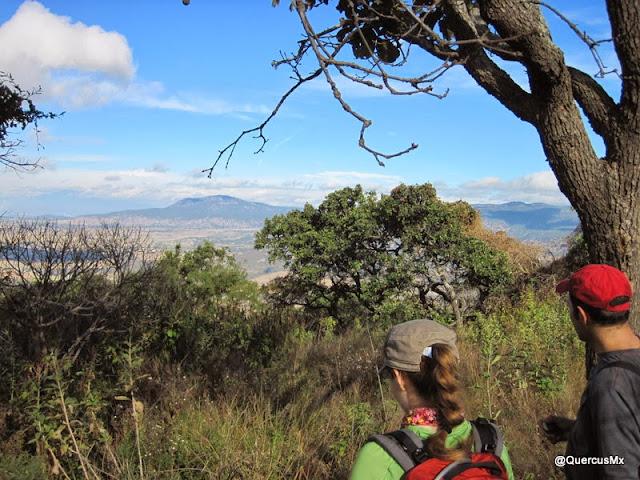 Cerro San Miguel (izq.) y Cerro Planillas (der.) - Bosque la Primavera
