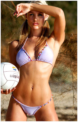 Nicky Whelan Bikini Pics