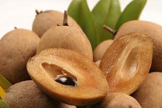 Manfaat buah sawo manila