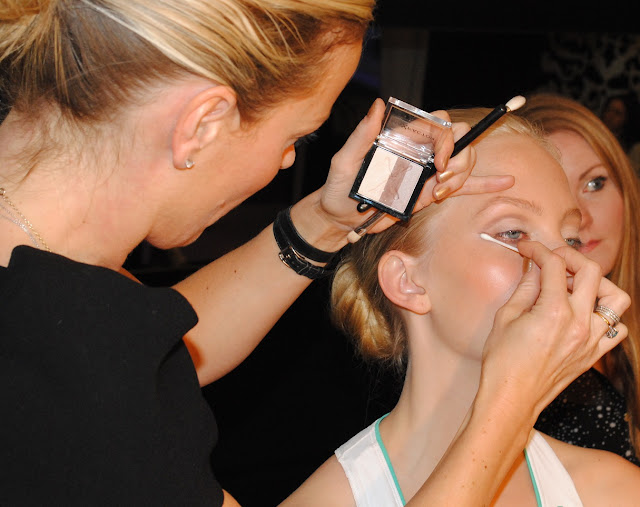 Max Factor Olympic Sports Chic Makeup Design