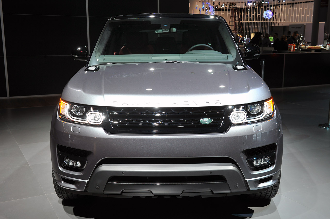 automotiveblogz 2014 land rover range rover sport new york 2013 photos. Black Bedroom Furniture Sets. Home Design Ideas