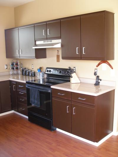 Woodmaster woodworks inc updating laminate cabinets for Laminate cabinets