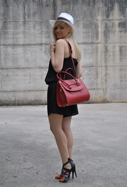 romper nera come abbinare la romper outfit romper abbinamenti romper mariafelicia magno fashion blogger colorblock by felym outfit nero fashion blog italiani blog di moda come abbinare la borsa rossa outfit borsa rossa outfit cappello panama come abbinare il cappello panama outfit cappello outfit borsa rossa abbinamenti borsa rossa sandali etnici come abbinare i sandali etnici how to wear romper how to wear panama hat how to wear red bag outfit estivi summer outfits outfit 22 giugno 2015  girls legs blonde hair blonde girls