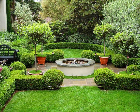 we are all familiar with the love knot gardens of european royalty what i love in these images is that boxwood can be scaled to fit any size garden in - European Garden Design