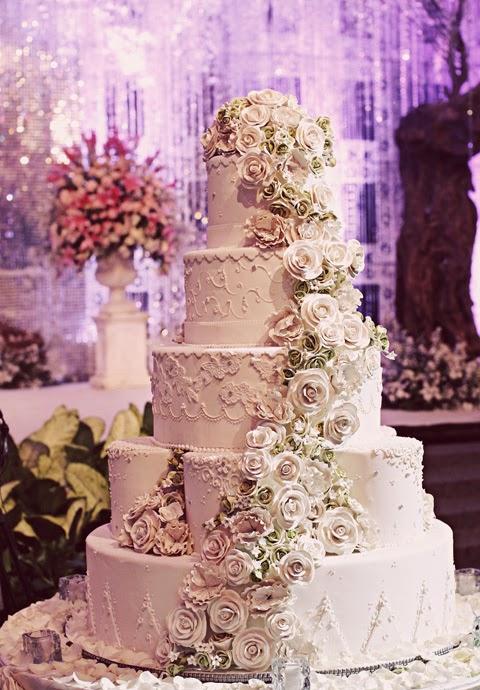 Mẫu bánh cưới đẹp lộng lẫy và cầu kỳ cho tiệc cưới 3