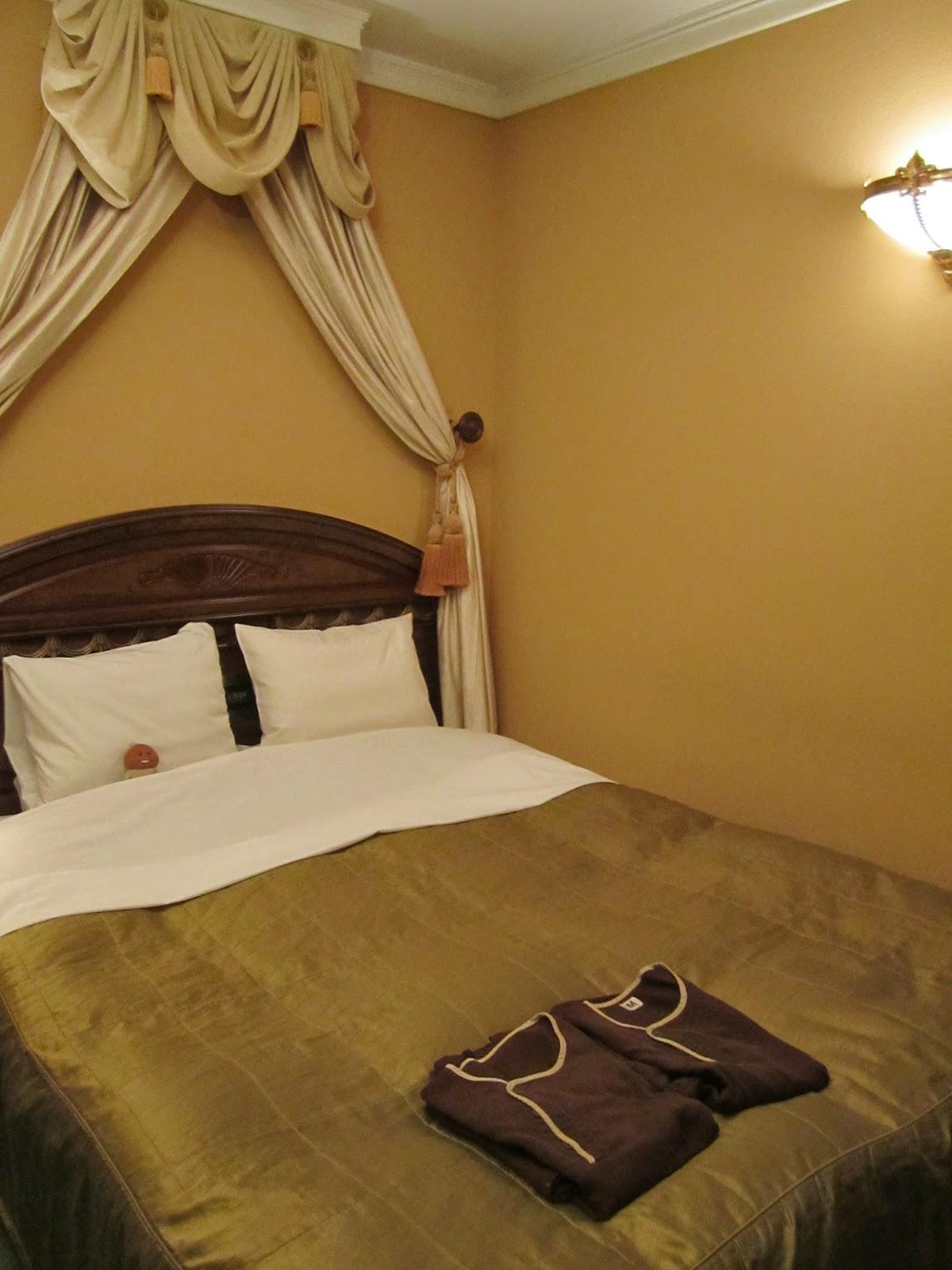 Hotel Neuschloss Otaru Bedroom Double Bed