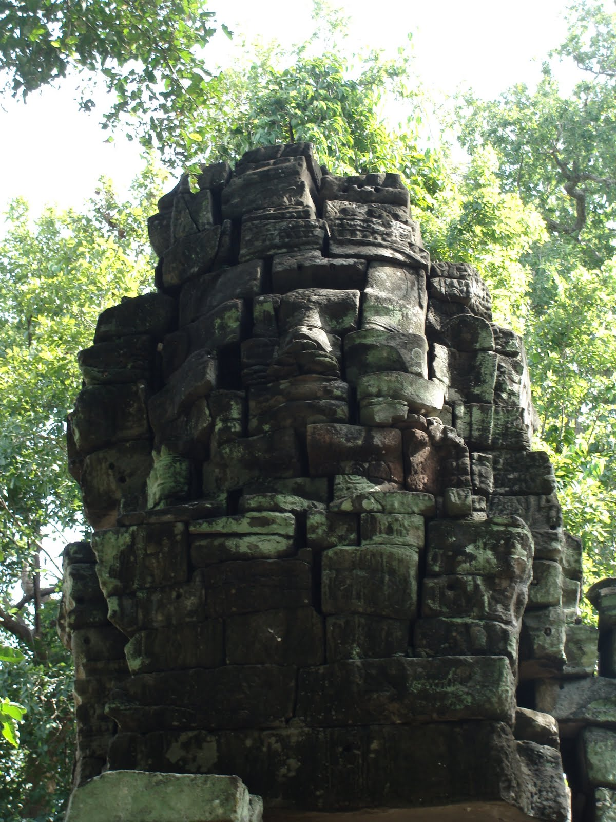 the history of cambodia Origins cambodia is an ancient country with a long history that has been a source of pride and pain to the cambodian people the cambodians probably lived.