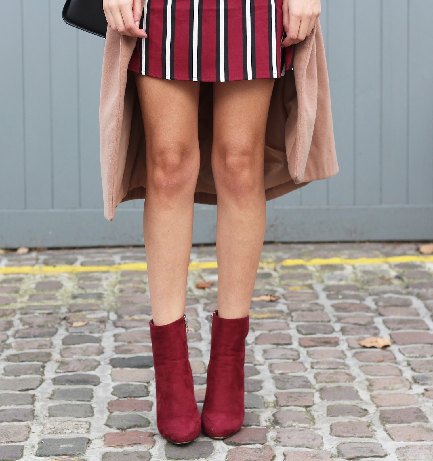 peexo fashion blogger wearing burgundy and camel coat