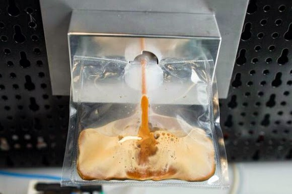 Untuk Pertama Kalinya, Astronot di ISS Bikin Kopi di Luar Angkasa
