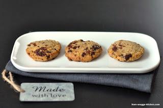 http://www.from-snuggs-kitchen.com/2015/06/die-wirklich-besten-chocolate-chip.html