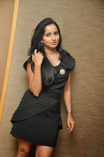 Ishika Singh  Picture shoot 014.jpg