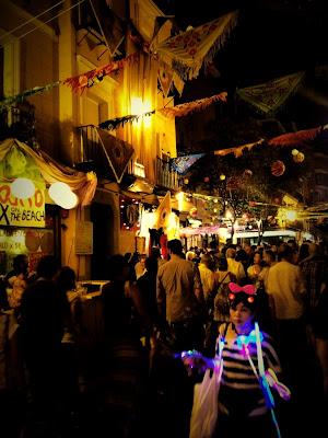Ambiente en las calles durante las Fiestas de La Paloma