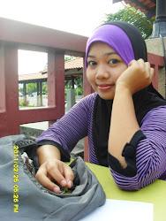 senyum ((: