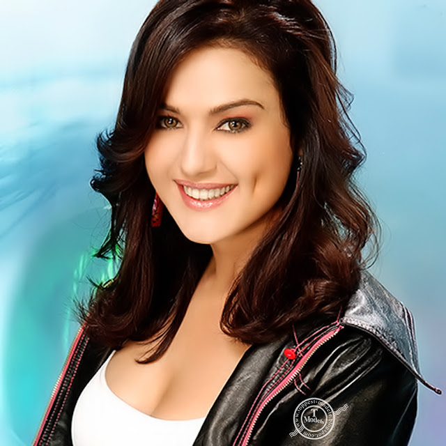 All About Celebrity: Preity Zinta Height, Weight And Body
