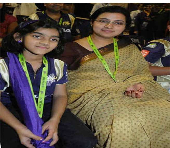 Sana Ganguly with her mother
