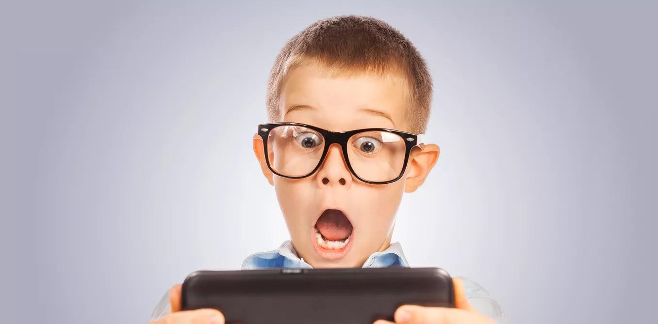 Οι ειδικοί προειδοποιούν: Κρατήστε τα κινητά μακριά από το σώμα σας και κυρίως μακριά από τα παιδιά.