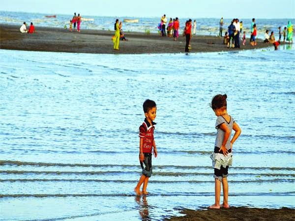 Pantai Paling Berhantu