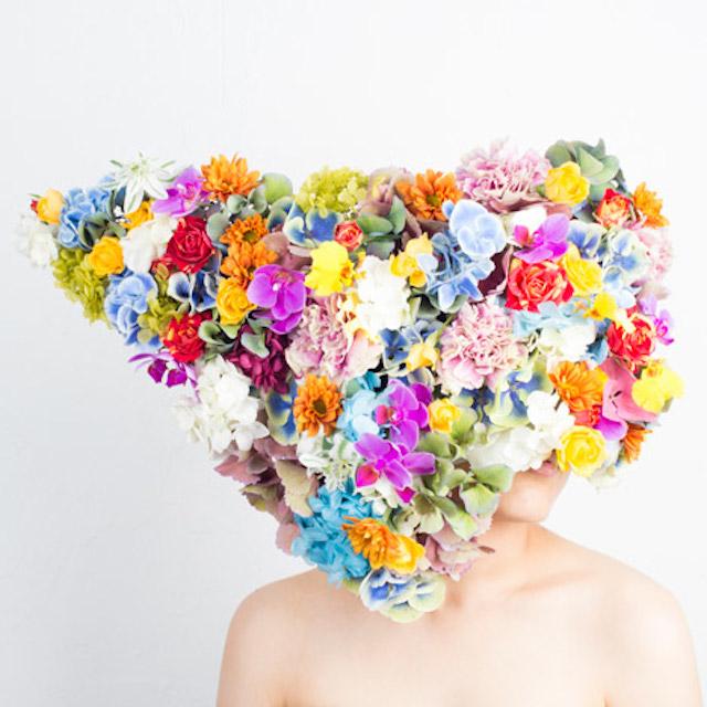 Chapéis com design ousado feito de plantas por Takaya