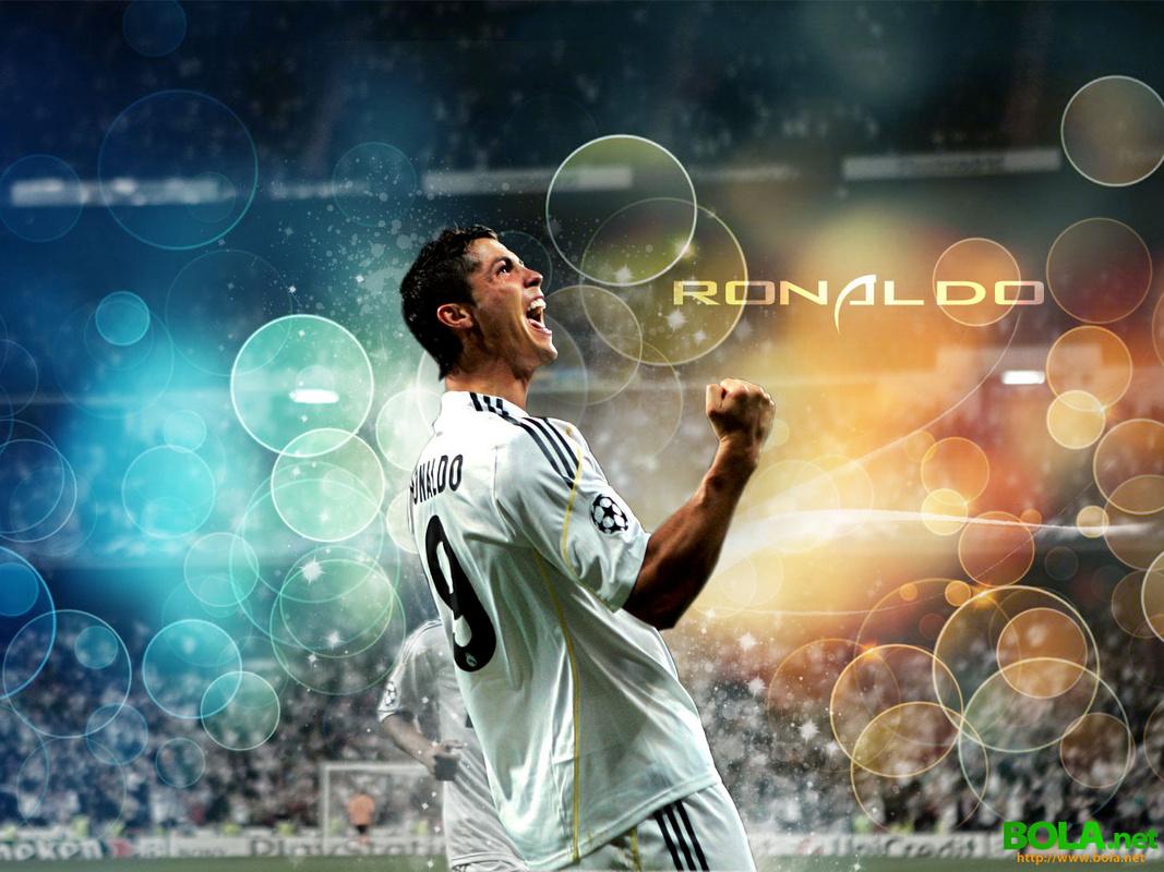 http://3.bp.blogspot.com/--AUW0P29FJ4/TgrwPZl_ZVI/AAAAAAAABxQ/ZUyG7Vps0Uo/s1600/1024x768_Cristiano_Ronaldo143.jpg