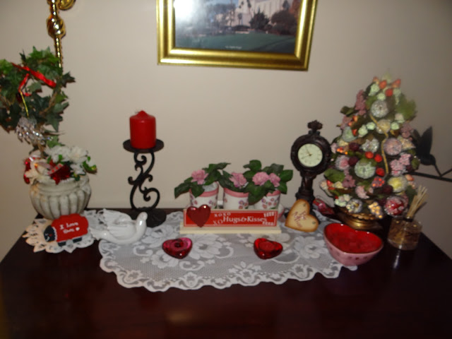 Pattie 39 s place valentines decorating for 007 table decorations