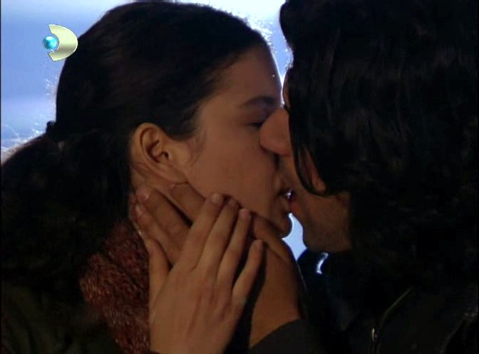 to facebook labels fatmagul and karim love scnes fatmagul kerim kiss