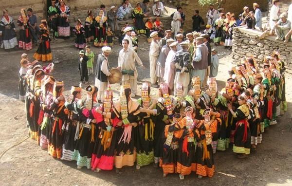 bộ tộc người đẹp như Tây ở châu Á 15