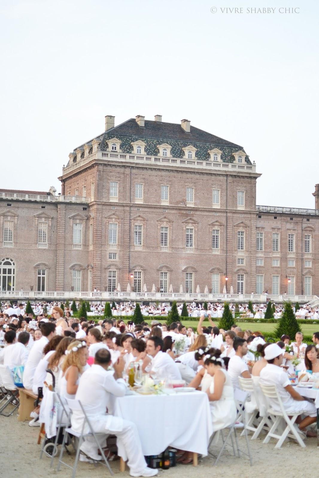 Vivre Shabby Chic: A Torino di bianco vestita.