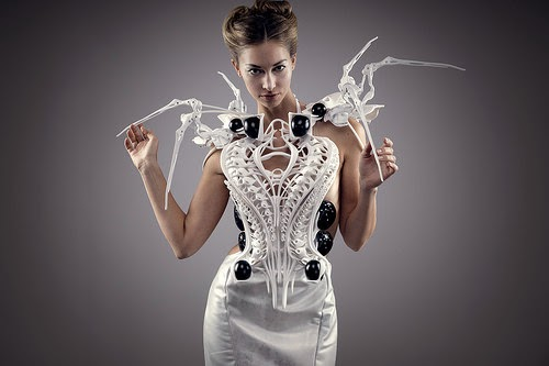CES 2015 Intel Edison powered Spider dress Anouk Wipprecht 3D printed wearable technology fashion inventions and smart Clothing