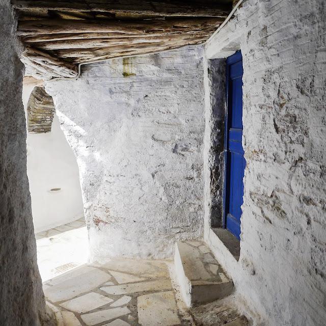Tinos island, Arnados village - the round button blog