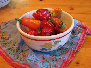 vintage bowl, photo of peppers in vintage bowl, French textiles