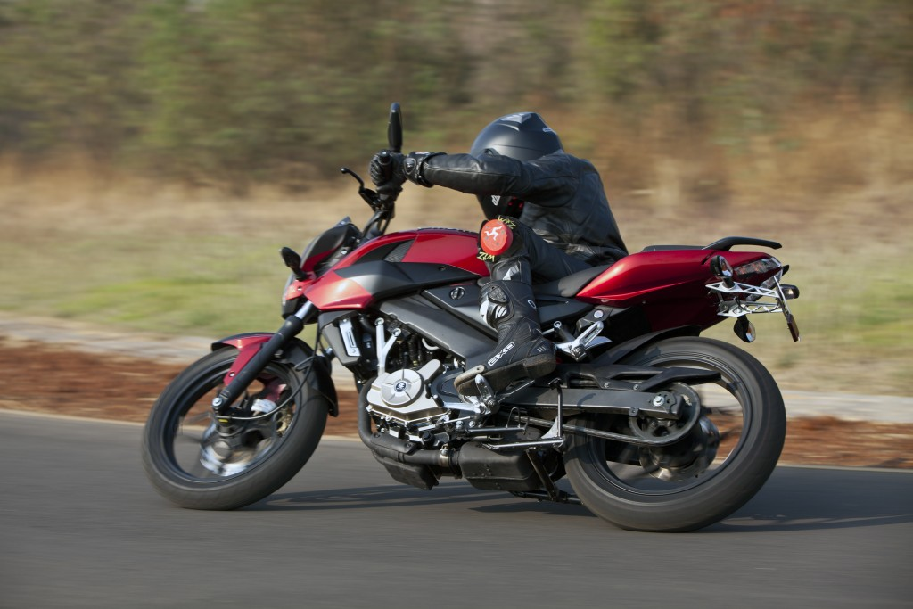Bajaj pulsar 200 ns is having the exciting features like it is having