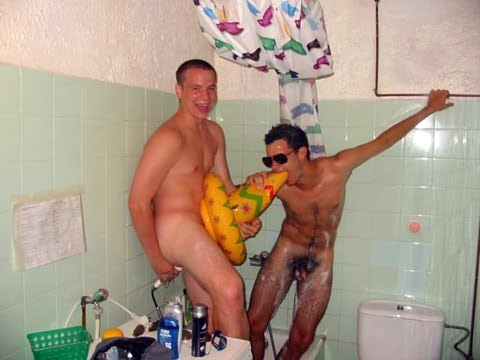 Naked freshman college dorm shower video