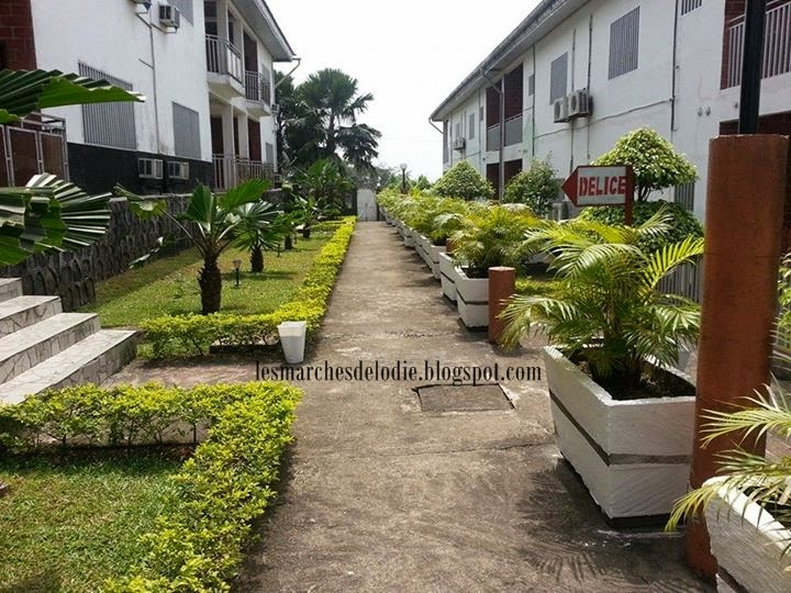 Les Marches d'Elodie - Hotel Golden City - Apparts - Limbe