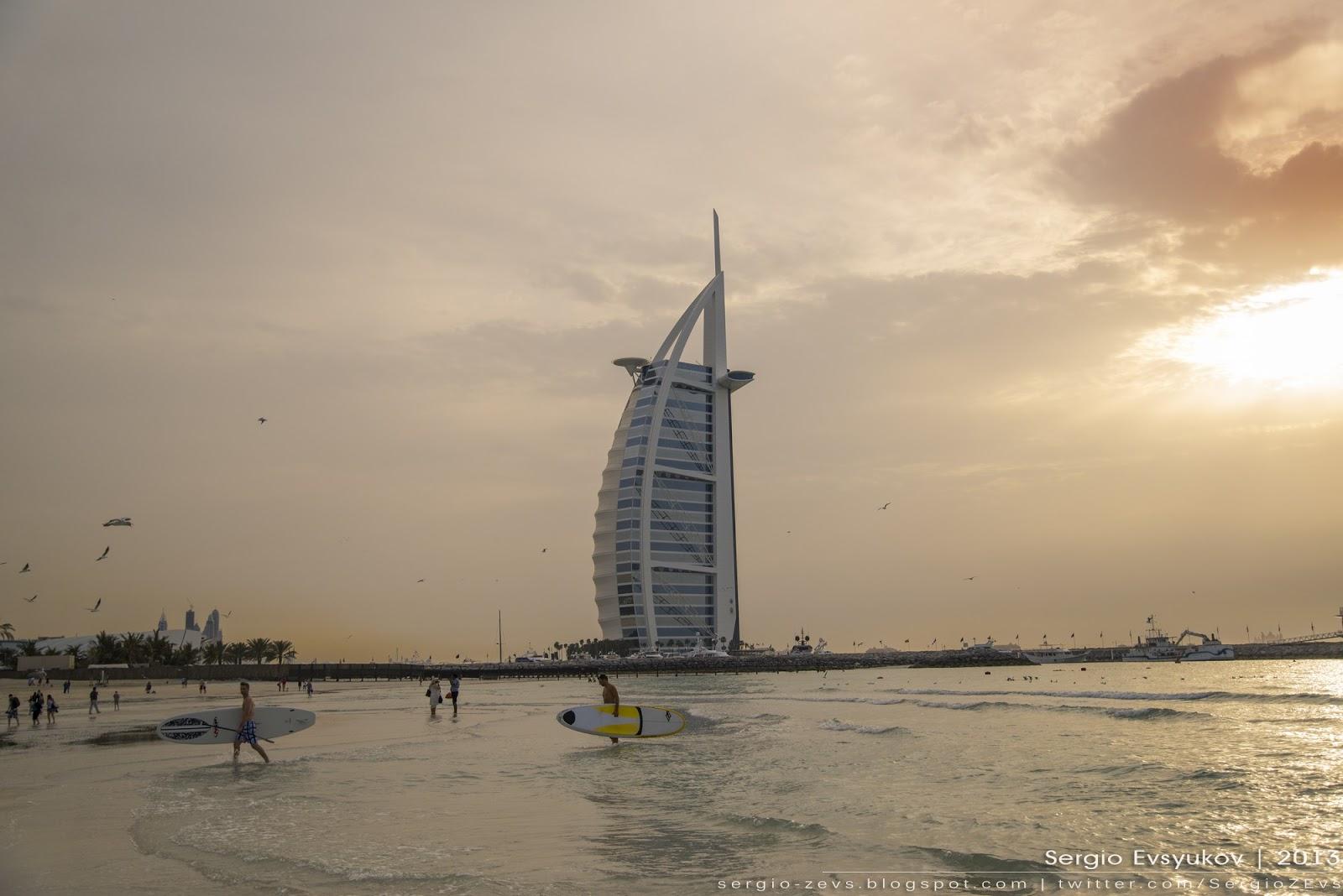 Отель-Парусник в Дубае