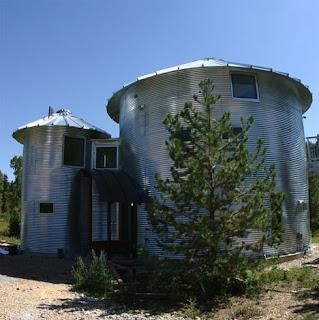 The grain silos converted into contemporary country house for Silo home designs