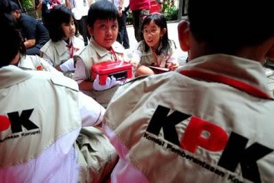 masih banyak anak Indonesia belum memperoleh pendidikan yang layak