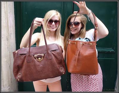 Sac cabas Louis Vuitton cuir naturel sac Miu Miu fermoir lunettes Manor solaires RayBan