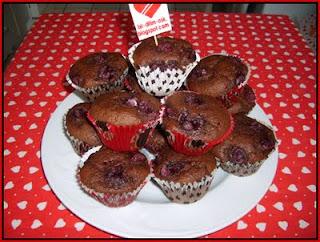 Vişneli Çikolatalı minik kek kapsülleri