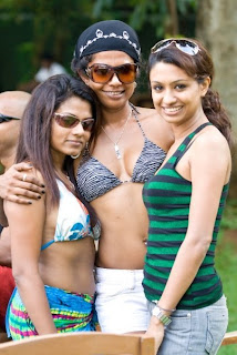 Srilankan Girls In Pool Party