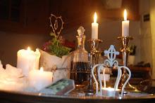 Ljusbricka på köksbordet