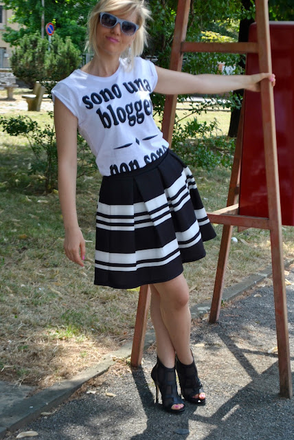 outfit bianco e nero outfit nero e bianco outfit 10 luglio 2015 outfit luglio 2015 outfit estate 2015 outfit estivi outfit estivi donna mariafelicia magno fashion blogger colorblock by felym blog di moda fashion blog italiani fashion blogger italiane milano summer outfit black and white outfits how to wear black and white