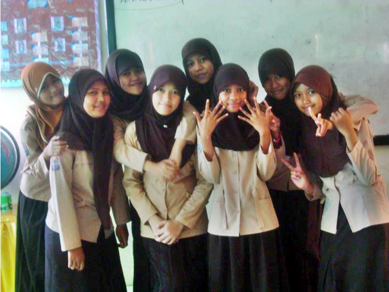 Girls of Accel05 Spensas